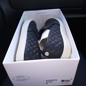 Steve Madden quilted slip ons size 9